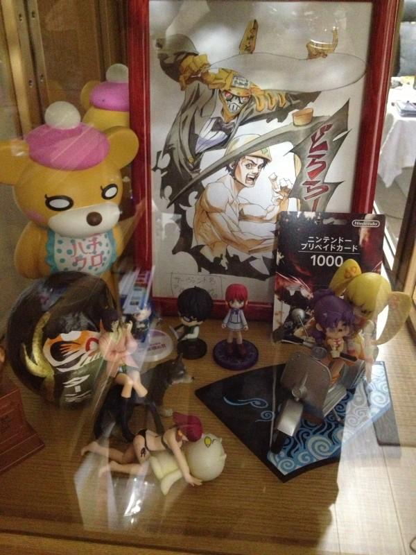 杉田智和さんがフィギュアを飾っている棚を大公開