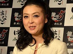 012 Sega team up with tavern chain Izakaya Hanako in Yakuza promotion