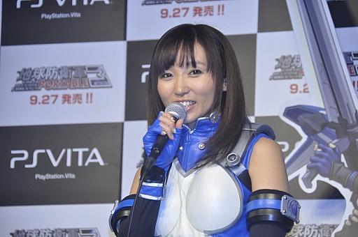 ペリ子を演じた吉木りささん 撮影におけるエピソードを聞かれた河崎氏は,ゲ... 4Gamer.n