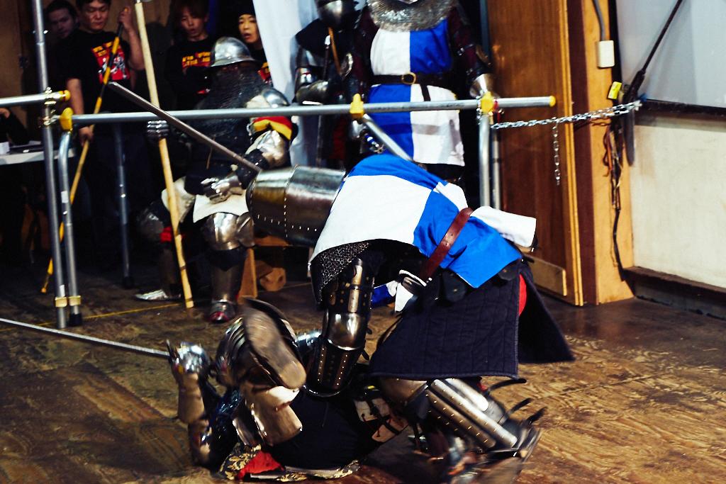 ジャパン・アーマードバトル・リーグ第2回が開催。西洋甲冑の男達がぶつかり合う様子をまた見てきたジャパン・アーマードバトル・リーグ第2回が開催。西洋甲冑の男達がぶつかり合う様子をまた見てきた