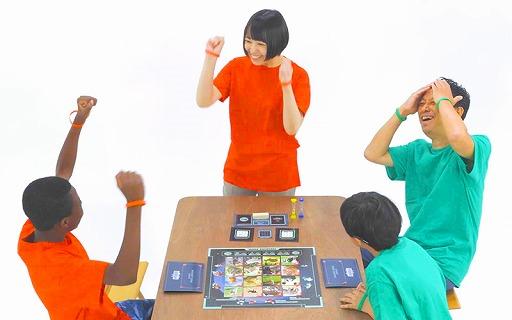 画像集#005のサムネイル/声を出さずに遊べるボードゲーム「ジェスチャー泥棒ゲーム MUTERS」が発売