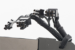 Razer Core V2」レビュー。Thunderbolt 3接続の外付け