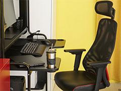 ROGとIKEAがコラボしたゲーマー向け家具が4月29日に国内発売。チェアやデスクを含む25製品をラインナップ