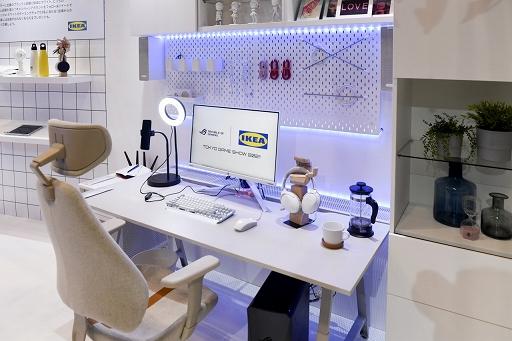 画像集#009のサムネイル/[TGS 2021]家具メーカーのIKEAがゲーマー向け家具を展示。新製品の電動昇降機能付きデスクや,落ち着いたデザインのチェアも