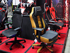 [TGS 2018]徳岡正肇がゲーマー向けチェアを座り比べ。会場にあったゲーマー向けの椅子に片っ端から腰掛けてみた