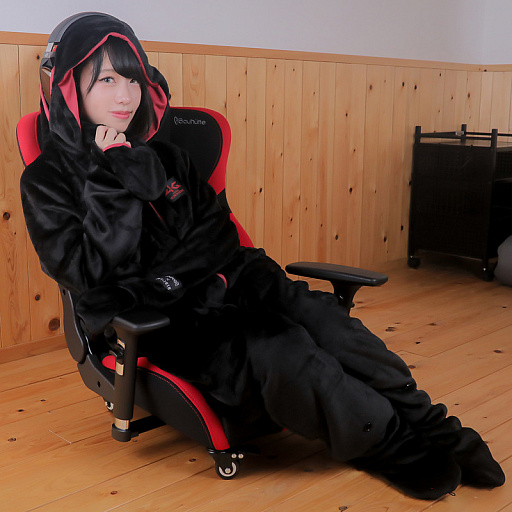 画像(012)Bauhutte,「着る毛布」のゲーマー向けモデル発売
