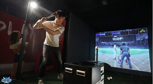 体験型野球ゲーム「レジェンドベ...