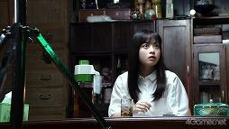 """画像集#008のサムネイル/「放置少女」,橋本環奈さんが出演する新TVCMのメイキングが公開。稲川淳二さんの""""怪談語り""""も必見"""