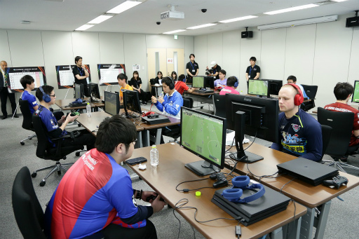 画像(003)「FIFA19」第2回eJ.LEAGUEが開催。参加プレイヤー355名の頂点は名古屋グランパスのミノ選手