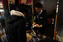画像(006)多くのファンが駆けつけた「バイオハザード RE:2」発売記念イベント開催。神田プロデューサーへの合同インタビューも合わせてお届け