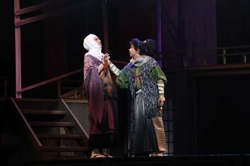 画像(005)舞台「信長の野望・大志 夢幻 〜本能寺の変〜」のゲネプロをレポート。史実を知る信長と光秀が本能寺で対面すると……