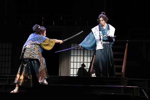 画像(008)舞台「信長の野望・大志 夢幻 〜本能寺の変〜」のゲネプロをレポート。史実を知る信長と光秀が本能寺で対面すると……