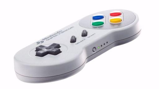 画像(004)初期20タイトルが収録された「スーパーファミコン Nintendo Switch Online」が9月6日配信。「スーパーファミコン コントローラー」の予約販売も