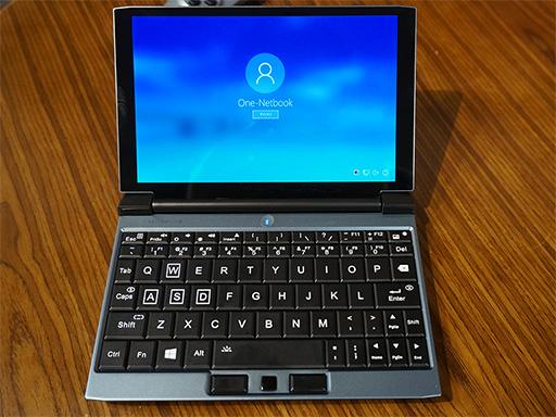 画像(002)話題のゲーマー向け超小型PC「OneGx1」が国内初披露。合体可能なゲームパッドやLTE対応は競合製品にない魅力だ