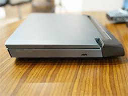 画像(006)話題のゲーマー向け超小型PC「OneGx1」が国内初披露。合体可能なゲームパッドやLTE対応は競合製品にない魅力だ