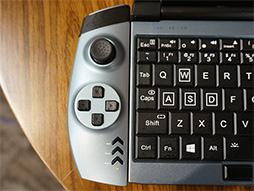 画像(010)話題のゲーマー向け超小型PC「OneGx1」が国内初披露。合体可能なゲームパッドやLTE対応は競合製品にない魅力だ
