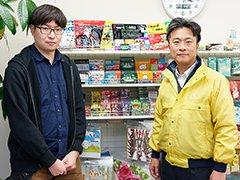 DAISOの100円ボードゲーム誕生秘話に迫る! 企画責任者&ゲームデザイナーインタビュー